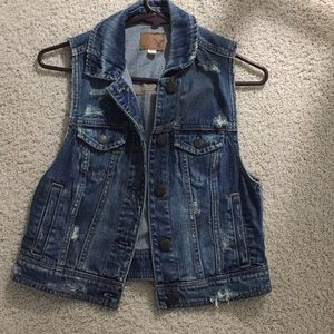 AEO Jean vest.  NWOT. Size Small.